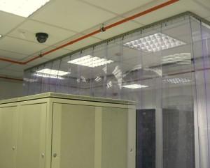 Przykład modularnej zabudowy strefy chłodu wykonanej w istniejącej serwerowni