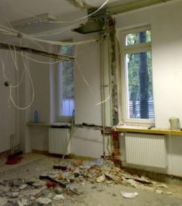 Budowa serwerowni może wiązać się z konieczność zmiany układu istniejących pomieszczeń