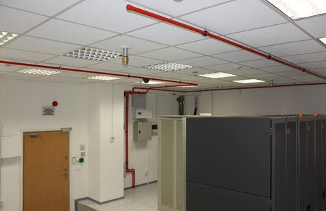 Adaptacja pomieszczenia biurowego na serwerownię